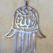 Silberkette mit der Hand der Fatma schützt vor dem Bösen Blick Silberkette mit Hand der Fatma, 925 Sterlingsilber, 79,99 €, i-must-have.it