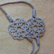Armbänder, Ketten und Ohrringe mit Endlosknoten aus reinem Silber in Silberdraht-Kunst. Nur bei i-must-have.it