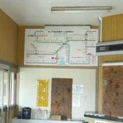 駅舎の中です。代替バスが亘理駅から福島の相馬方面まで走っています。