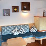 ... aus Birke und Louro Preto, einer Holzart aus Brasilien, hergestellt.