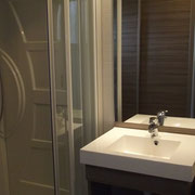 lot et bastides  chalets sleeps 4 bathroom