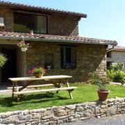 terrasse gite gite Pays Cathare Gites de France dans l'Aude à Caunette sur Lauquet