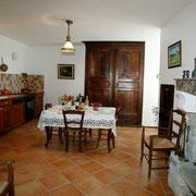 séjour cuisine gite gite Pays Cathare Gites de France dans l'Aude à Caunes Minervois