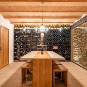 La cave dégustation domaine gite les Iris au Domaine viticole Saint Jacques d'Albas à Laure Minervois dans l'Aude