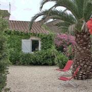 jardin gite Pays Cathare Gites de France dans l'Aude à Ferrals les Corbieres