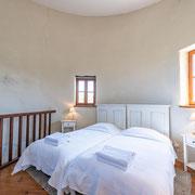 Chambre gite Le Moulin au Domaine de Saint Jacques d'Albas à Laure Minervois dans l'Aude