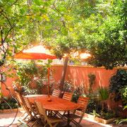 jardin chambre d'hote dans l'Aude pays cathare à Azille