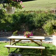 salon de jardin gite gite Pays Cathare Gites de France dans l'Aude à Caunette sur Lauquet