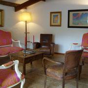 salon gite Pays Cathare Gites de France dans l'Aude à Cascastel en corbières