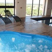 SPA et piscine intérieure gite pays cathare à Raissac d'Aude