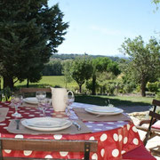 salon de jardin gite Pays Cathare Clévacances dans l'Aude à Ferran