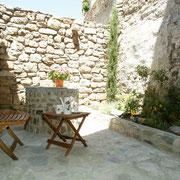 salon de jardin gite gite Pays Cathare Gites de France dans l'Aude à Caunes Minervois