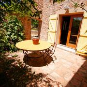terrasse gite Pays Cathare Gites de France dans l'Aude  à Embres et Castelmaure
