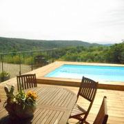 vue depuis la piscine gite dans l'Aude pays cathare gites de france à Véraza avec piscine