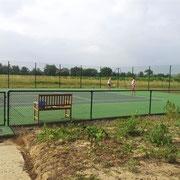 Cour de tennis gite pays cathare à Raissac d'Aude