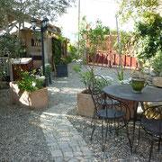 jardin du gite Gites de France à Bouriège dans l'Aude