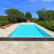 piscine domaine gite les Iris au Domaine viticole Saint Jacques d'Albas à Laure Minervois dans l'Aude