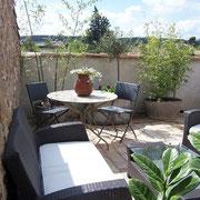 terrasse gite Pays Cathare Gites de France dans l'Aude à Castelnau d'Aude