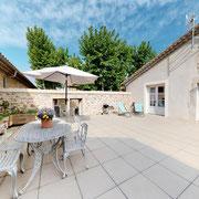 Terrasse gite Pays Cathare Gites de France dans l'Aude à Fabrezan en Corbières