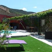 Piscine et espace extérieur Gite Pays cathare gites de france dans l'Aude à Quintillan