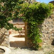jardin gite Pays Cathare Gites de France dans l'Aude  à Embres et Castelmaure