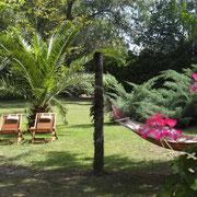 jardin gite Pays Cathare Gites de France dans l'Aude à Narbonne à proximité de la mer