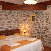 chambre gite pays cathare dans l'Aude à Pouzols minervois avec piscine