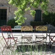 salon de jardin Gite Pays Cathare Gites de France dans l'Aude à Montlaur en Carcassonnais