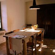 salle à manger Gite Pays Cathare Gites de France dans l'Aude à Montlaur en Carcassonnais