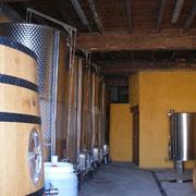 chai de vinification Accueil vignoble à Ribaute au Domaine des Cascades à Ribaute