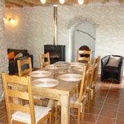 séjour salle à manger gite gite Pays Cathare Gites de France dans l'Aude à Caunette sur Lauquet