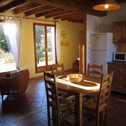 salle à manger gite pays cathare dans l'Aude à Rouffiac des corbières , labelisé Gites de france