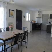 séjour salle à manger gite dans l'Aude à Roquefort des Corbieres, label pays cathare et gites de france