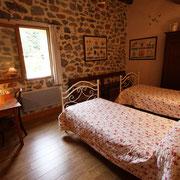 chambre 1 gite Pays Cathare Gites de France dans l'Aude  à Embres et Castelmaure