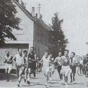 Dorflauf nach dem Start beim alten Kino 1954 - 1956