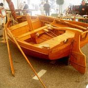 504 La vielle barque de pèche, utilisée jadis sur le lac du Bourget