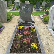 Einzelgrabstein Paradiso Friedhof Neuendettelsau