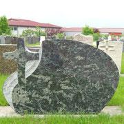 Doppelgrabstein Amadeus mit Kreuz