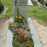 Einzelgrabstei Andeer Fels Friedhof Lehrberg
