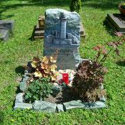 Urnengrab Leuchtturm Waldfriedhof Ansbach Atlantis Fels