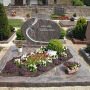 Doppelgrab Hymalaya Friedhof Lichtenau b. Ansbach