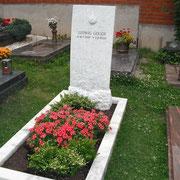 Einzelgrab griechischer Marmor Friedhof Eyb