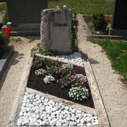 Einzelgrabstein Marmor Rosa Eva Friedhof Lichtenau