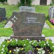 Doppelgrabstein Hymalaya Friedhof Weihenzell