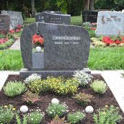 Doppelgrabstein Orion Friedhof Weihenzell