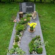 Einzelgrab mit teilabdeckung Orion Waldfriedhof Ansbach
