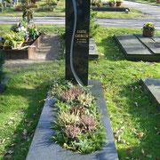 Einzelgrabstein Stele Nero Impala Waldfriedhof Ansbach