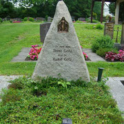Doppelgrabstein Granitfindling Friedhof Weihenzell