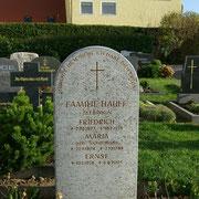 Grabstein für Doppelgrab Muschelkalk handwerklich bearbeitet Elpersdorf