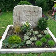 Doppelgrabstein Palisandro Fels Friedhof Elpersdorf